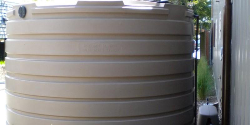 2. 2800 gallon rain tank with filter and pressure pump